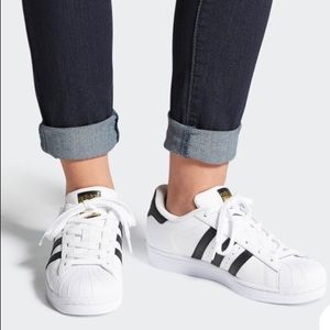 Adidas superstar originals sz 7.5 women